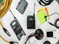 Кабеля, хомуты и провода с защитой